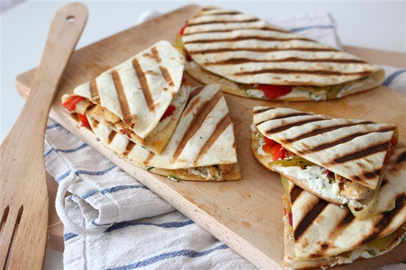 Grilled chicken tortilla with vegetables