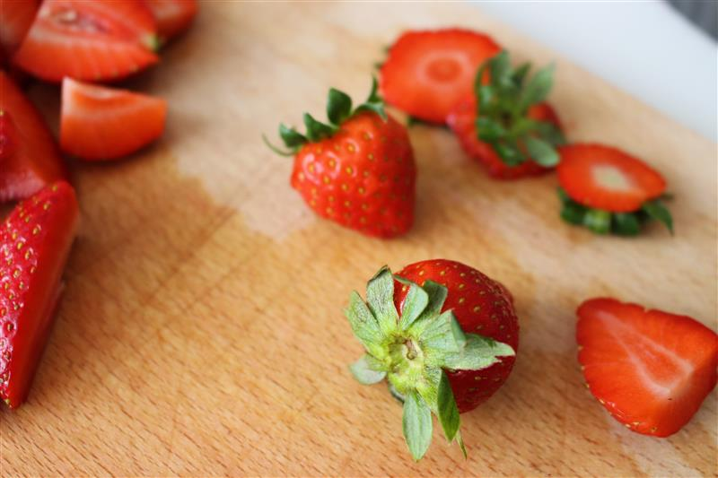 Strawberries on the chopping board